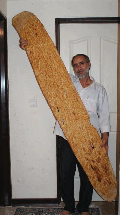 درازترین نان بربری توسط یک هموطن هنرمند طبخ وبه ثبت رسید